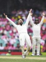 Warner gets century, Australia set NZ 416 to win_1