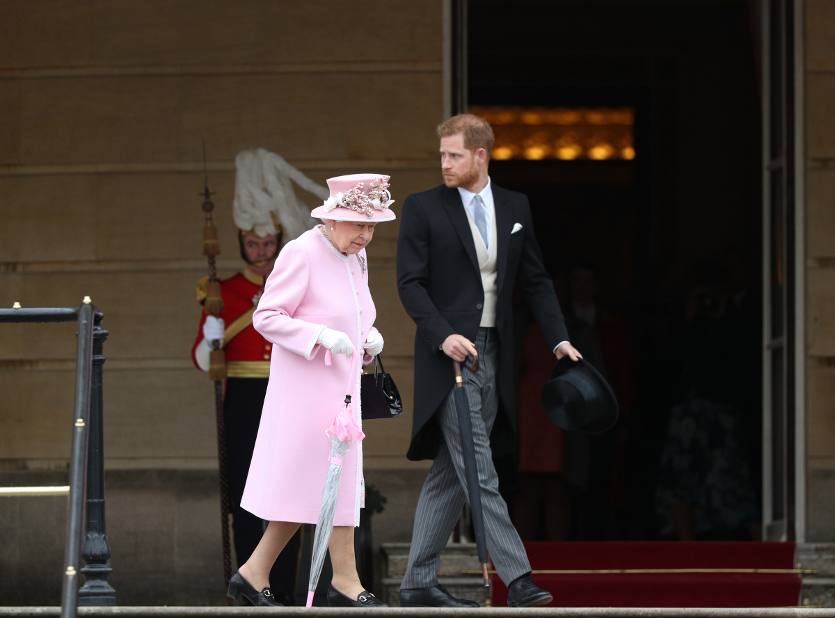 Meghan and Harry's decision to quit 'devastates' and blindsides Queen and senior royals_2