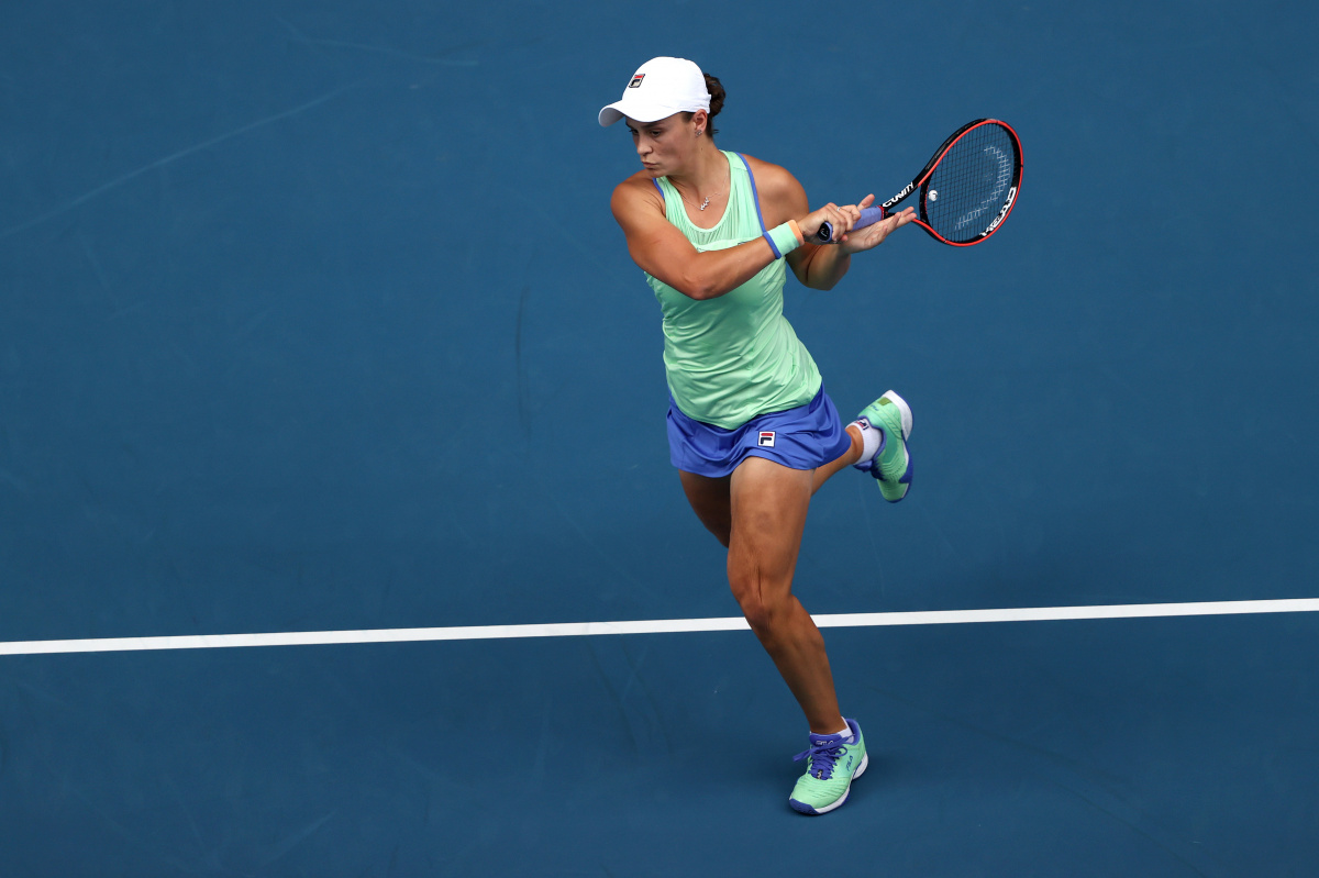 Australian Open: Barty shows might, as last year's finalists move on_1
