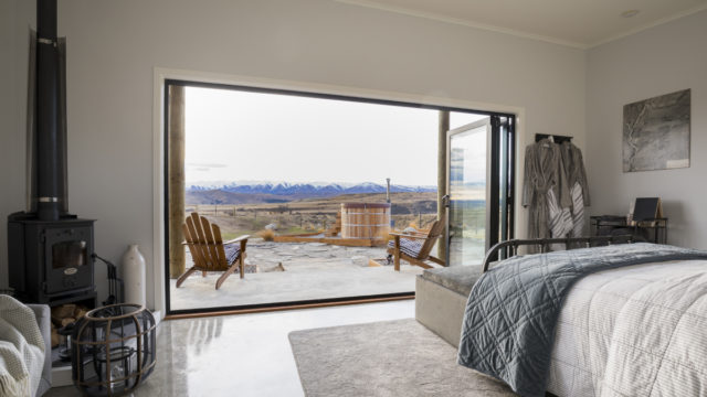 Shortlands Shed, on a high country sheep farm in Central Otago, is glamping at its finest.