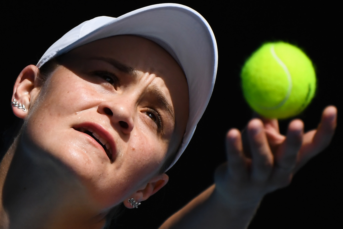 australian-open-barty-serve
