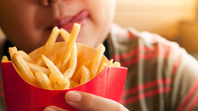 How fast food ads manipulate young people into eating unhealthy food