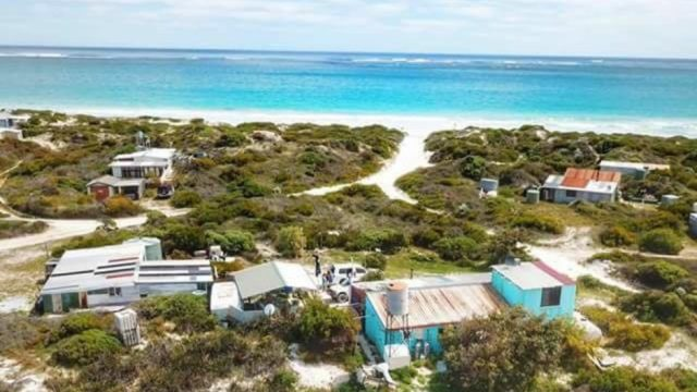 Wedge Island camping deaths: Man and child die after fault with equipment in tent