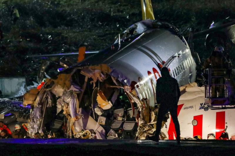 istanbul pegasus plane wreckage