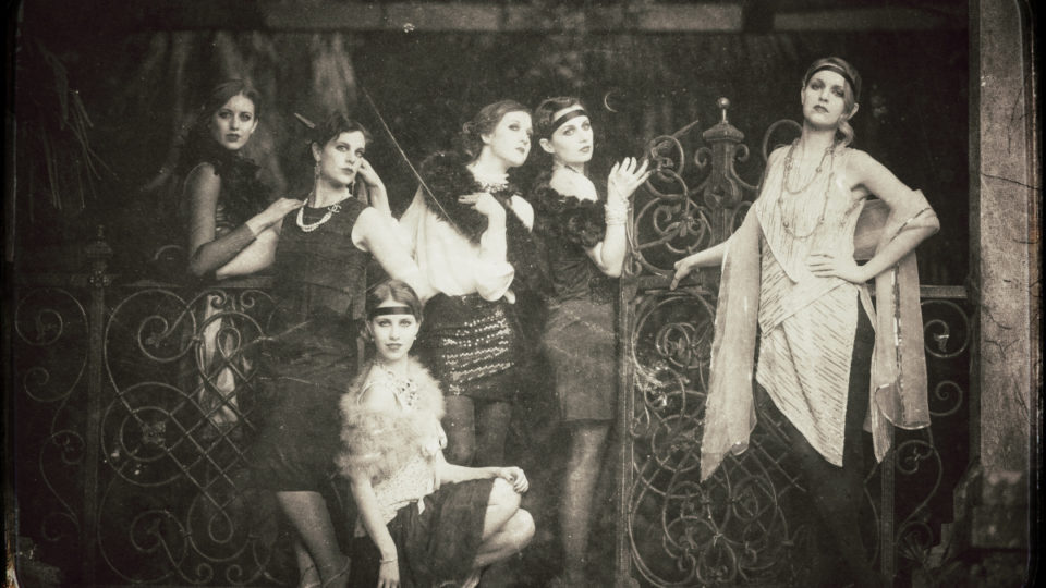 Roaring twenties fashion