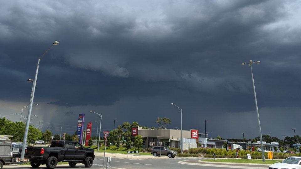 friday storm melbourne commute