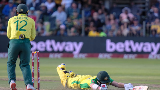 David Warner stranded as Aussies collapse in T20