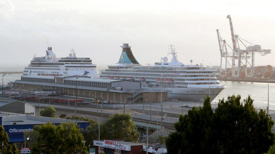 coronavirus ships
