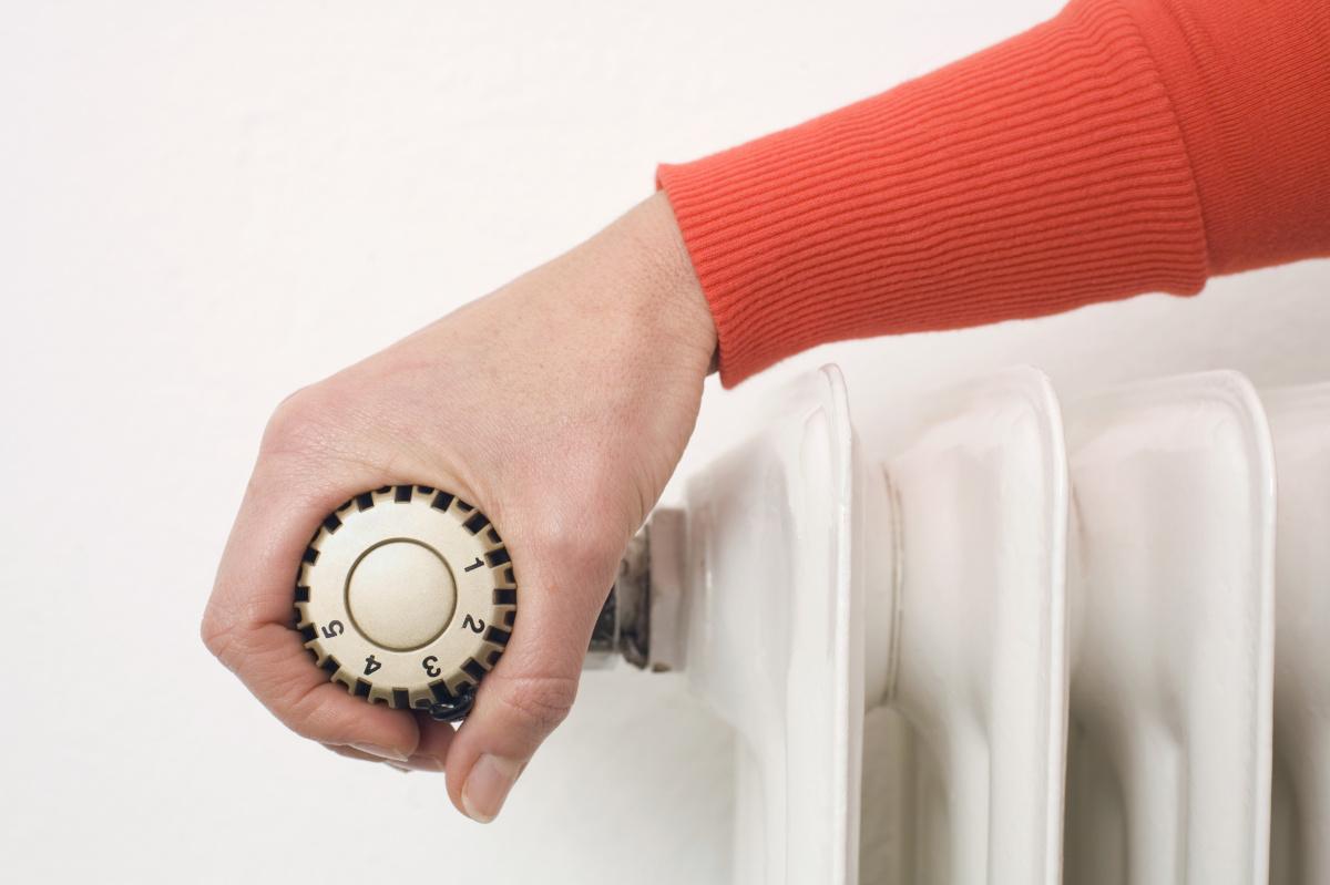 energy-bill-saving-tips-coronavirus