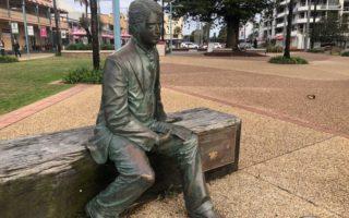 edmund barton statue macquarie