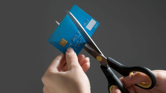 COVID-19 lockdowns inspire Australians to wipe off record levels of credit card debt in May