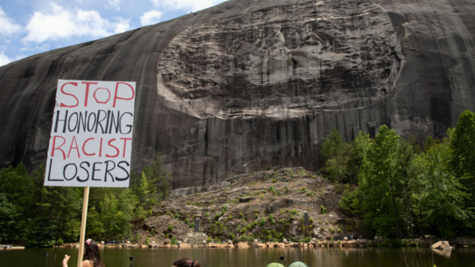 Armed marchers want 'Confederate mountain' wipedStone Mountain