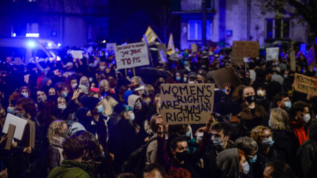 Thousands protest over Poland abortion law