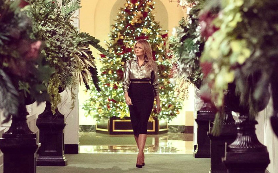 Melania Trump goes traditional with final White House Christmas display