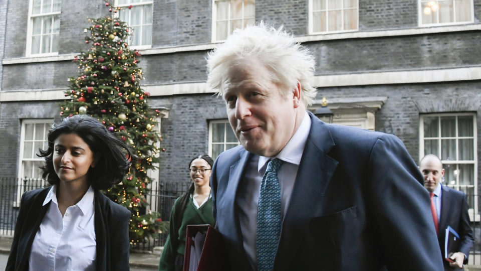 boris johnson christmas virus