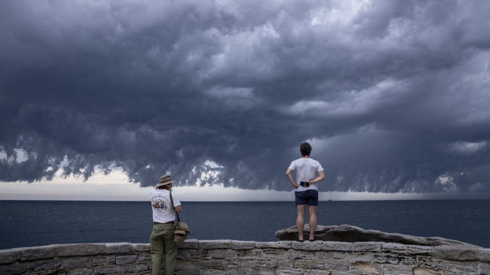 thunderstorms nsw victoria