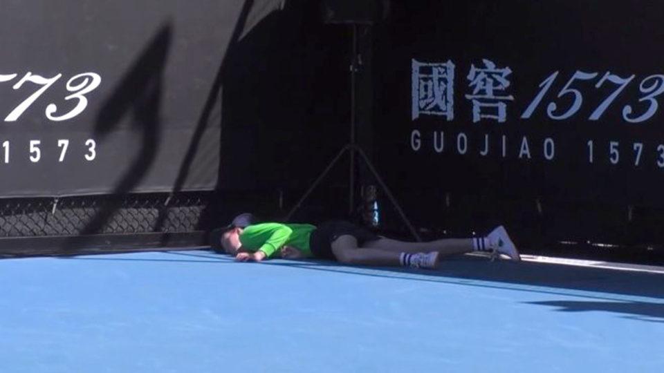 australian open ball kid collapse