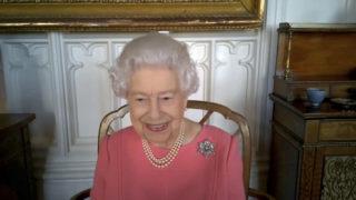 queen covid vaccine