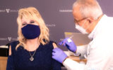 dolly parton covid vaccine