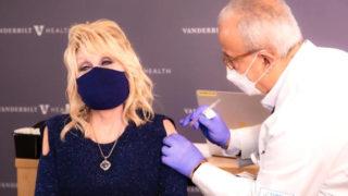 dolly parton covid vaccine