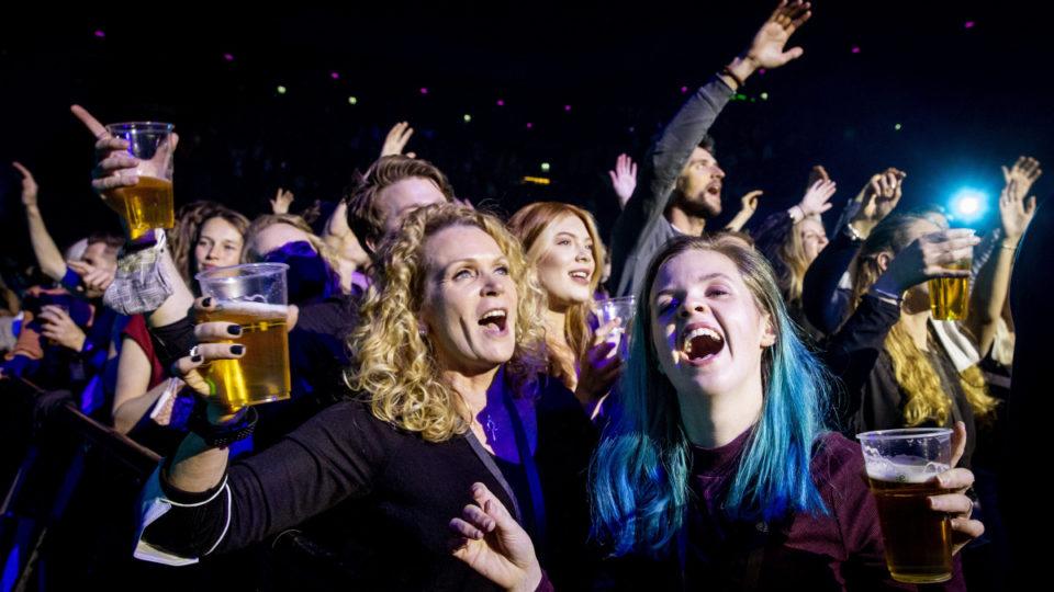 Dutch clubbing experiment
