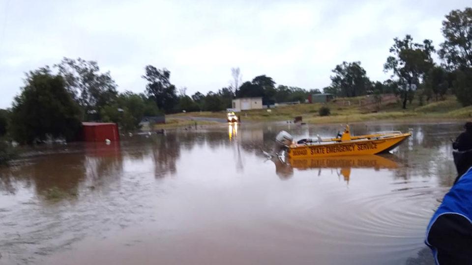 floods nsw queensland