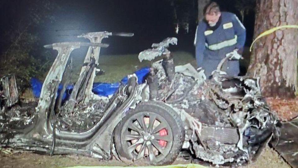 tesla crash texas