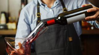 How to serve wine