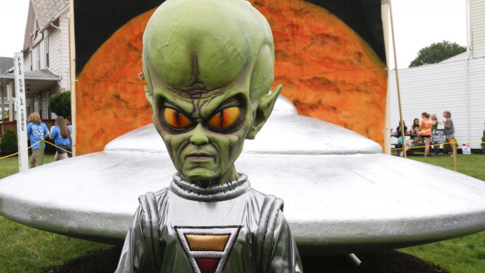 aliens pentagon