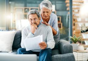 bad financial advice unhappy couple